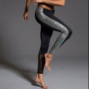 Onzie Black Silver Holographic Mesh Panel Leggings